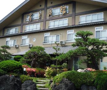 高台旅館正面全景
